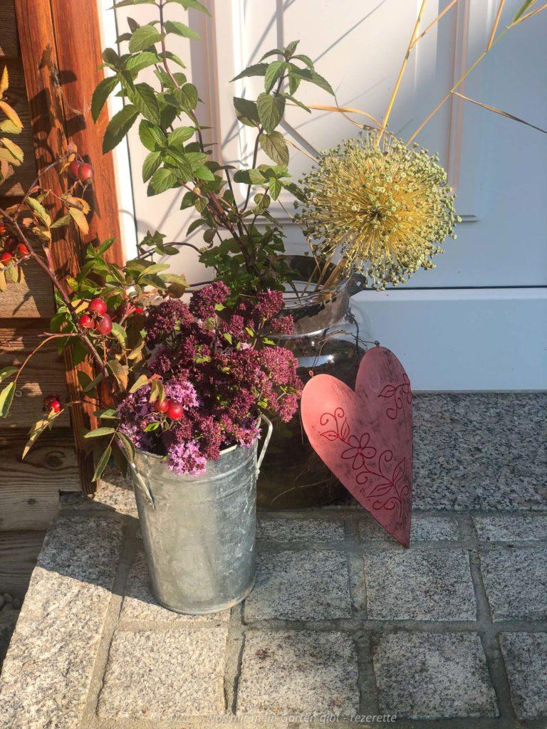 Herbstliche Deko aus dem Garten